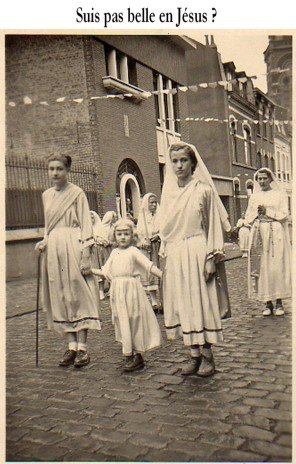 16.procession
