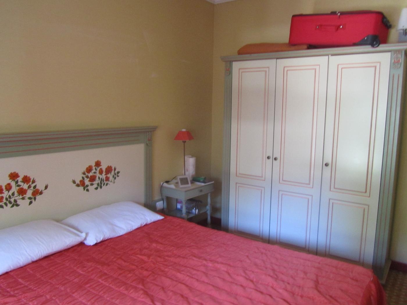 vacances en club 2 me partie la chambre ma retraite fond. Black Bedroom Furniture Sets. Home Design Ideas