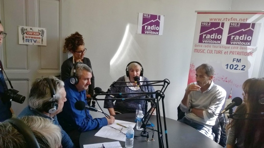https://provencale84.files.wordpress.com/2017/05/a-la-radio-2.jpg
